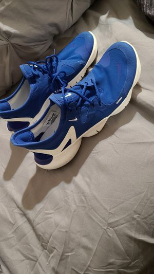 Womans nike free running shoes size 8.5 for Sale in Phoenix, AZ