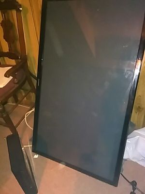 Samsung flat screen with xbox 360 slim$$ for Sale in Silver Spring, MD