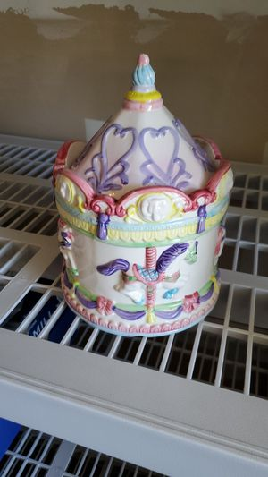 Carousel collectible cookie jar for Sale in Fresno, CA