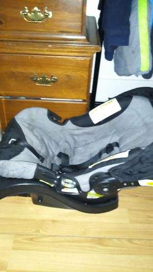 Baby car seat for Sale in Utica, NY