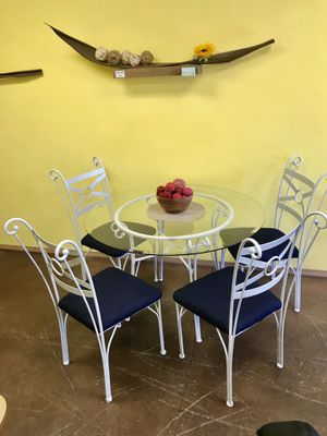 Grey dining table with 4 chairs for Sale in San Diego, CA