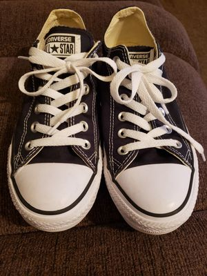 Converse women6size 8, mens size 6. Wore maybe 3 or times, no wear, clean for Sale in Murfreesboro, TN