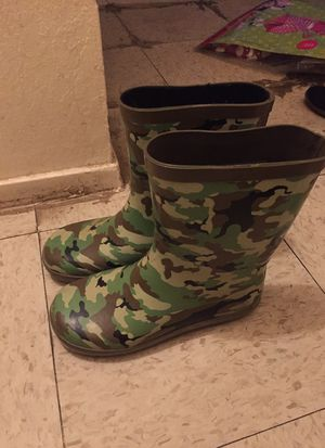 Rain boots young boys for Sale in Reedley, CA
