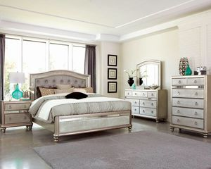 (Brand New In Boxes) Queen Size Bedroom Set for Sale in Atlanta, GA