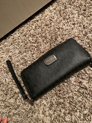 Michael kors wallet for Sale in North Richland Hills, TX