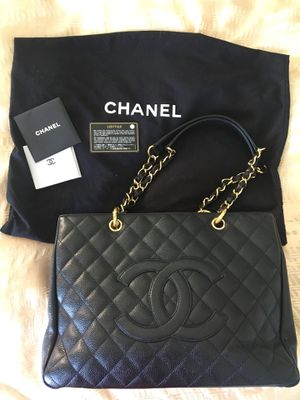 CHANEL Caviar Quilted Grand Shopping Tote for Sale in San Diego, CA