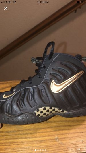 Nike foams toddler size 11c for Sale in Vallejo, CA