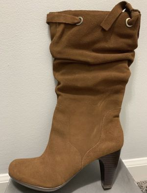 NEW LADIES LEATHER BOOTS SIZE 8.5 $40 for pickup only for Sale in Palo Alto, CA