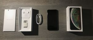 iPhone Xs Max 256gb unlocked for Sale in Buffalo, NY
