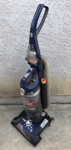 Hoover Windtunnel 3 Bagless Vacuum for Sale in Bellflower, CA