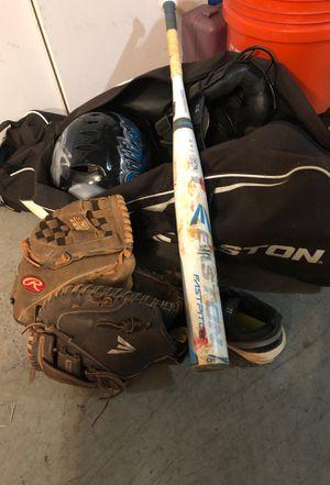 Softball Set (Bat / Catcher & Shortstop glove) for Sale in Hollywood, FL