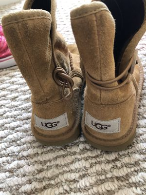 👧🏻 girl boots size 10 for Sale in Tracy, CA