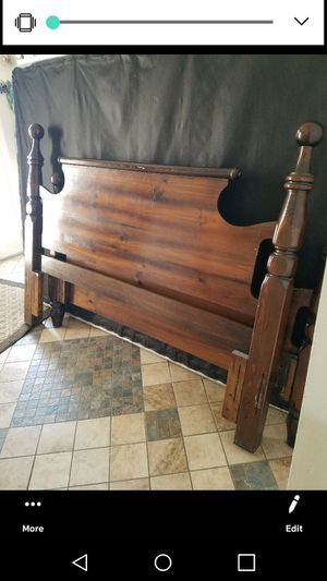Queen bed frame for Sale in Dearborn, MI