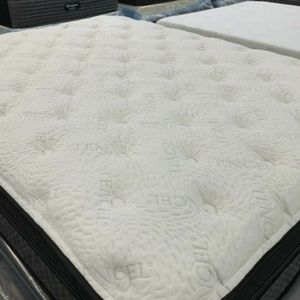 BED Clearance Center for Sale in West Bend, WI