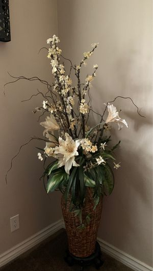 Large flower decoration with stand for Sale in Anaheim, CA
