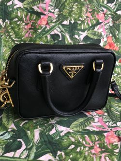 Authentic Prada Crossbody for Sale in Humble,  TX