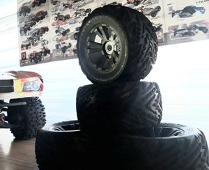 """17 mm hex DBoots 6"""" 3.75 x 3"""" 1.75 for Sale in San Diego, CA"""