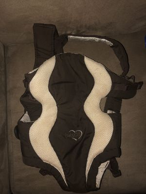 Baby carrier for Sale in Raleigh, NC