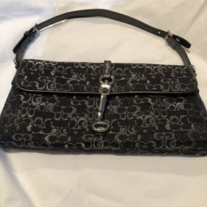 Coach Small Shoulder Bag for Sale in Chicago, IL