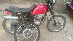 125 dirt bike for Sale in Detroit, MI