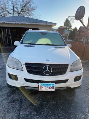 06 Mercedes ml 350 all wheel drive part out only !!! for Sale in Worth, IL