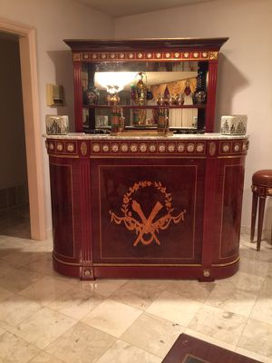 2 bar set & 3 stools very nice for Sale in Los Angeles, CA