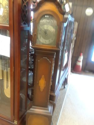 Grandmother clock is good shape can see at Pacific Run Antique Mall Tacoma Washington for Sale in Tacoma, WA