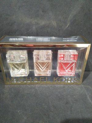 Michael Kors Coffret 3 Fragrance Parfum Gift Set~Michael kors~Gold Rose~Coral for Sale in Boynton Beach, FL