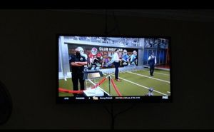 "40"" inch HDTV Samsung TV W/ Remote Control & Wall Mount kit. for Sale in Addison, TX"