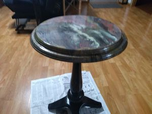 Hand painted round table for Sale in Marietta, OH