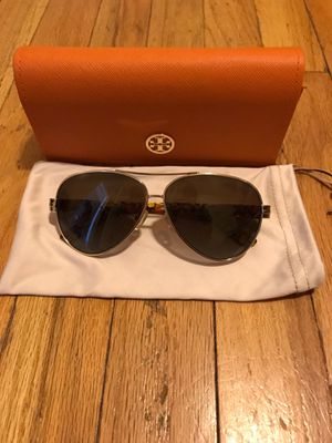 Authentic Tory Burch Sunglasses for Sale in Chicago, IL