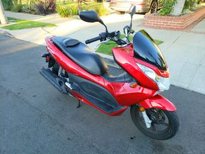 Honda PCX150cc | Super Fuel Efficient | Motorcycle for Sale in West Los Angeles, CA