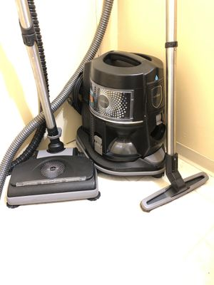 Newest Black Rainbow E2 Vacuum Cleaner for Sale in Fircrest, WA