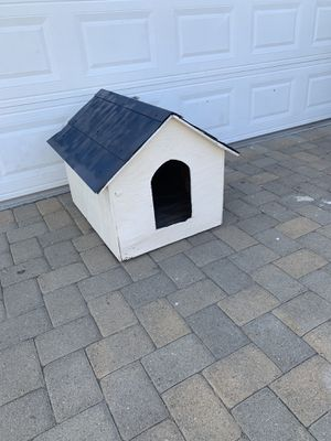 Dog house for Sale in Downey, CA