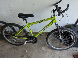Huffy 18 Speed Mountain Bike for Sale in Eau Claire, WI