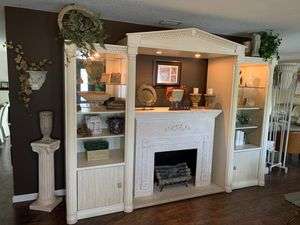Ivory Roman style wall unit for Sale in Fort Lauderdale, FL