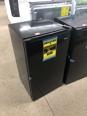 Haier new scratch and dent mini refrigerator on sale for Sale in Norcross, GA