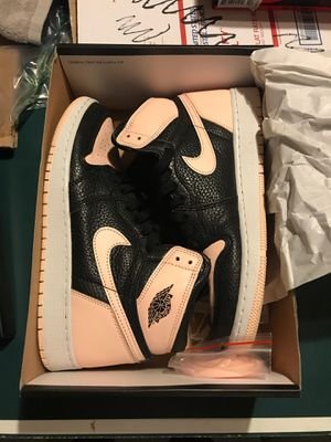 Air Jordan 1 Crimson Tint size 7y for Sale in Downers Grove, IL