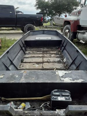 1672 , 15' Aluminum boat. No motor . for Sale in Blanco, TX