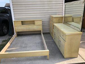 Vintage bedroom set for Sale in Newark, OH