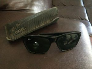 Ray Ban Wayfarer Bausch & Lomb Black Sunglasses with Case for Sale in Vancouver, WA