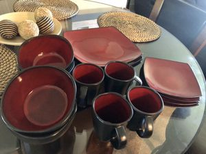 Dinnerware 16 pieces for Sale in Kent, WA