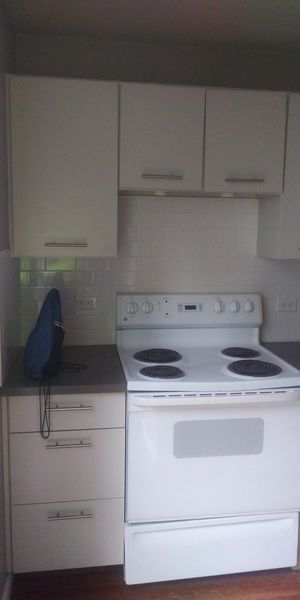Kitchen cabinets for Sale in Chicago, IL
