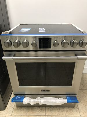 Frigidaire Electric Range EZ FINANCING AVAILABLE NO CREDIT CHECK for Sale in Miami, FL