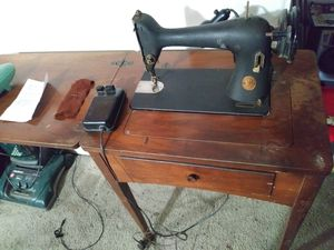 Antique singer tacsew 10L e. for Sale in Portland, OR