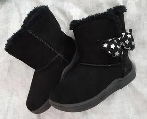 CUTE!!! Girls Black Boots with Bow Toddler size 6 for Sale in High Point, NC