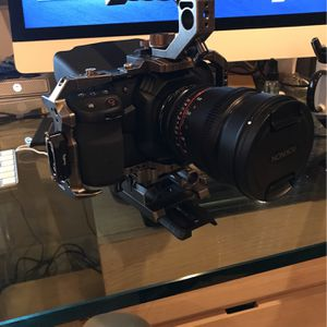 Bmpcc 4K New + Metabones Xl for Sale in Los Angeles, CA