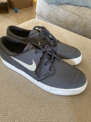 Grey Nike Shoes for Sale in Glendale, AZ