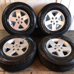 "17"" Jeep Wrangler Wheels Rims & Tires 255/75/17 for Sale in Santa Ana, CA"