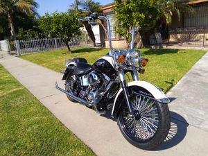 2005 harley softail deluxe for Sale in Bell, CA